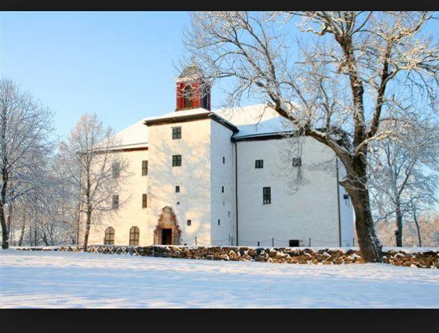 Winter at hofsnäs torpa stenhus