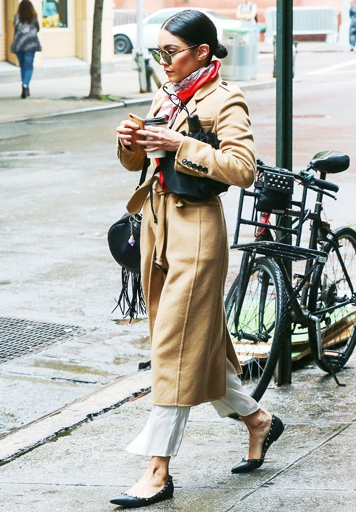8 Cool Outfit Ideas for Rainy Days #rainydayoutfitforwork