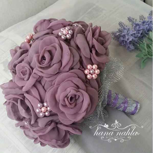Perfect throw away bouquet. -AD For a softer look, these fabric roses are swoon-worthy.