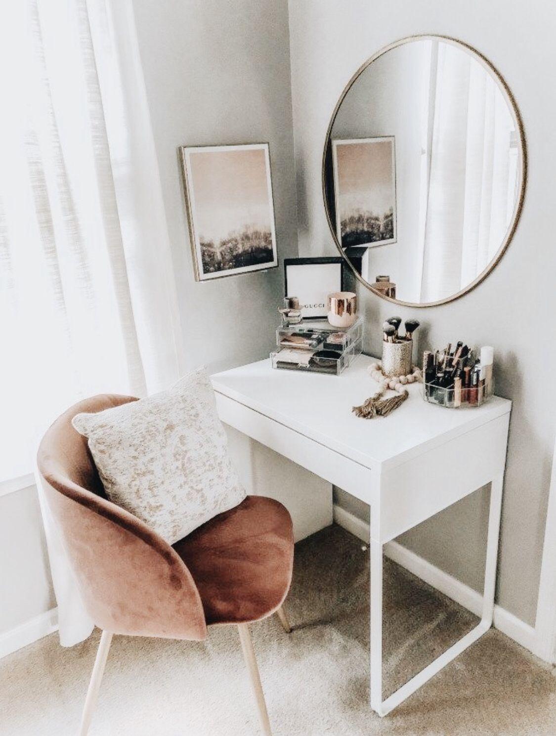 Cute Desk For Makeup In All The Right Colors Homedecor Modern Decor House Interior Design Modern Decor Ins In 2020 Bedroom Design Stylish Bedroom Bedroom Makeover