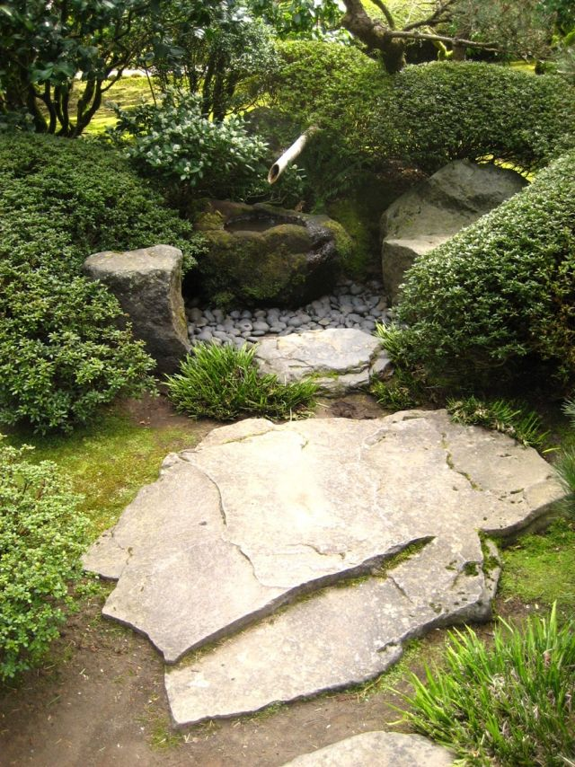 garten brunnen moos bedeckt bambus buchsbaumhecken Landscapes - brunnen garten stein