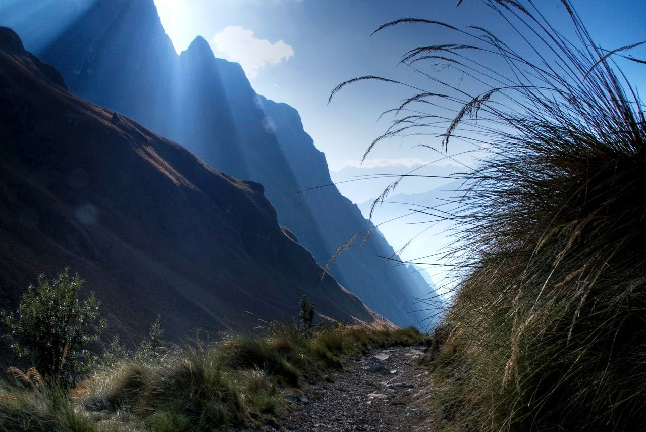 Sacred Valley Trail,  Andes of Peru