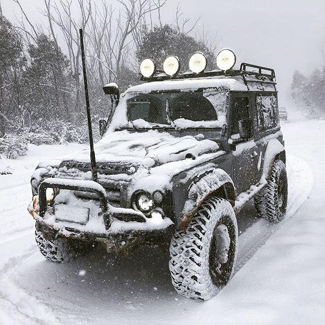 Snow camo defender90_orkney Follow us > dailyoverland