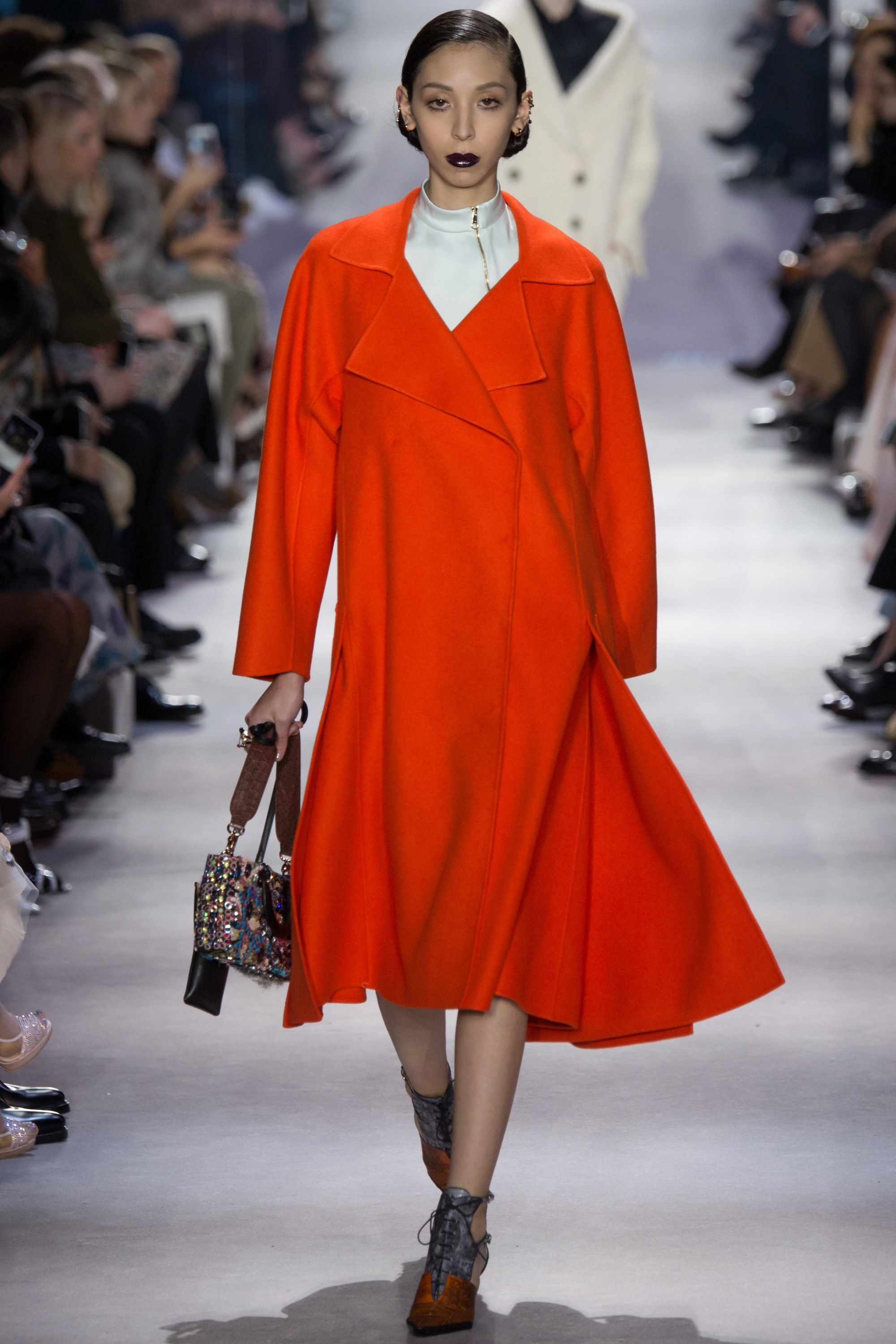 Christian Dior Fall 2016 Ready-to-Wear Collection Photos - Vogue