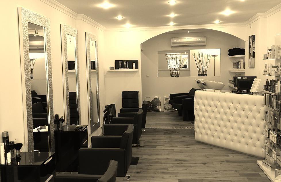 Salon De Coiffure Clermont L Herault Salon Decor Salon Suites Decor Beauty Salon Decor