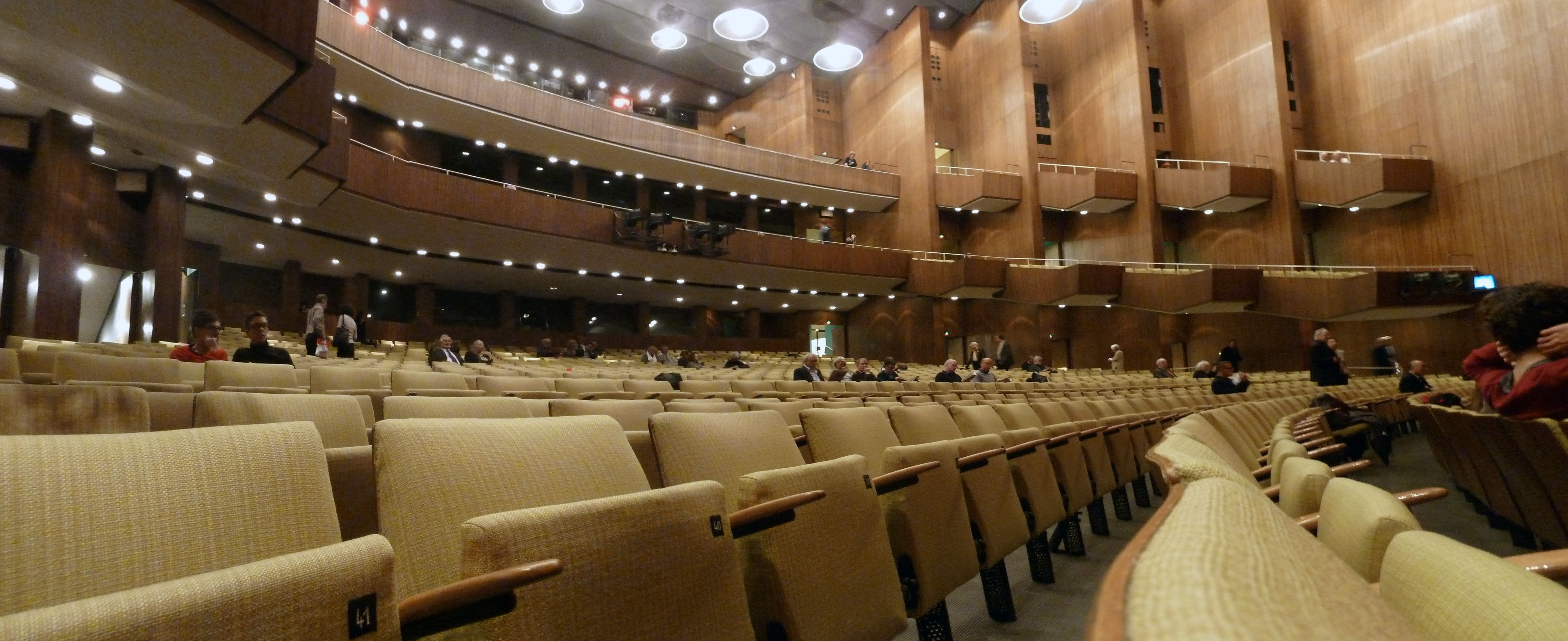 ENTERTAINMENT. Deutsche Oper Berlin. This opera company