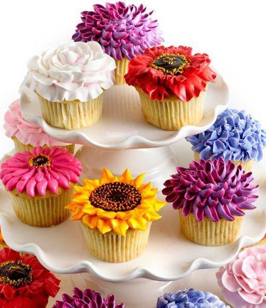 Birthday Cupcakes Designs: Amazingly Beautiful Floral Cupcake Designs €�