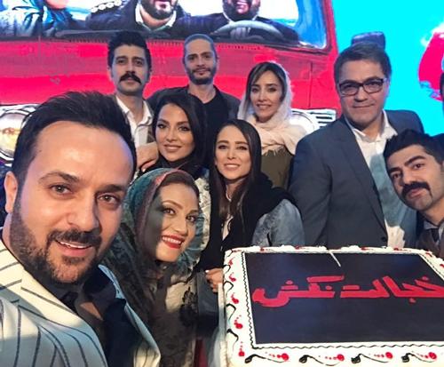 احمد مهرانفر به همراه همسرش مونا فائزپور اکران خصوصی فیلم خجالت نکش Movies Download Movies Persian Girls