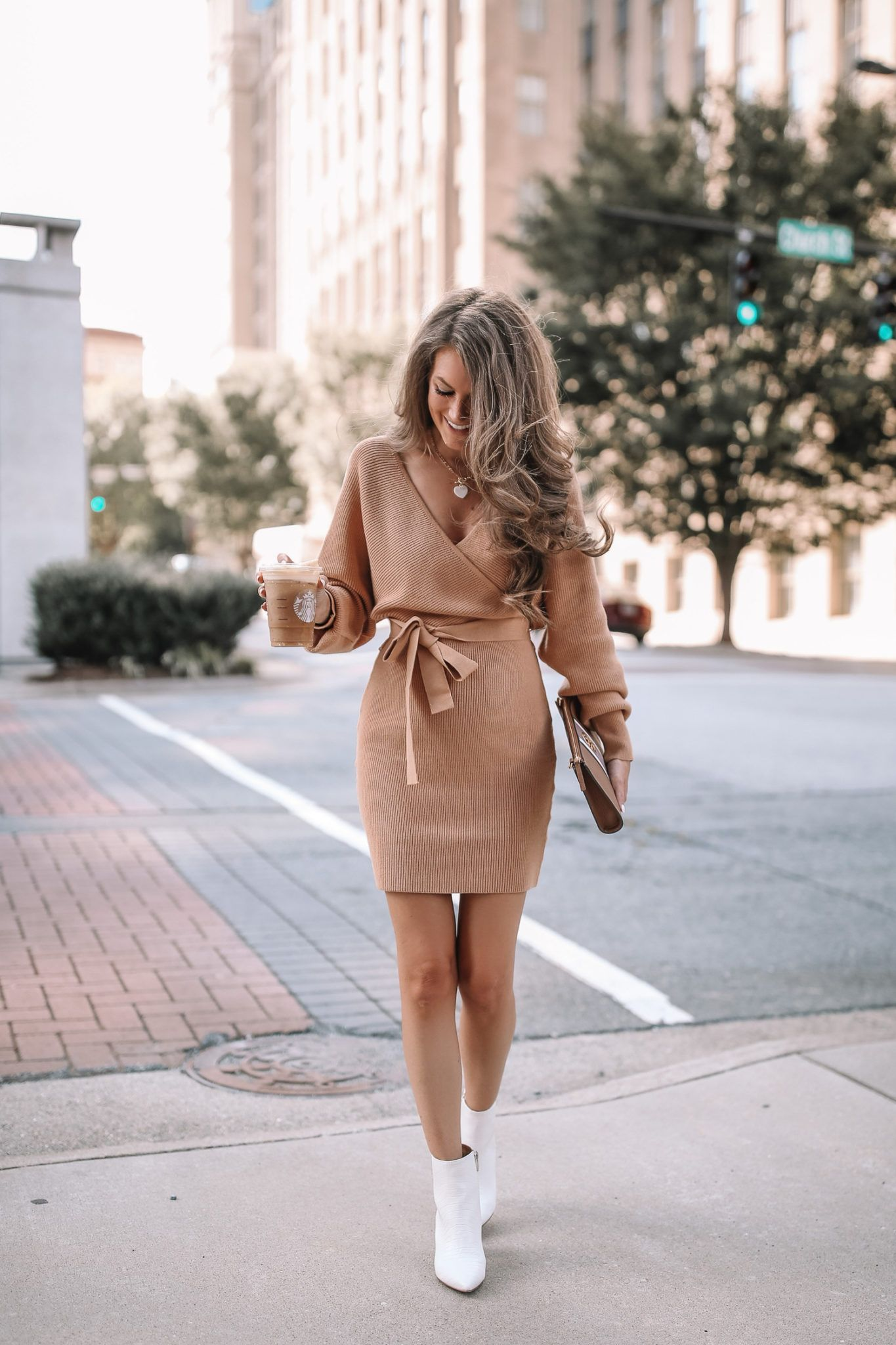 Pin On Fall Fashion [ 2048 x 1365 Pixel ]
