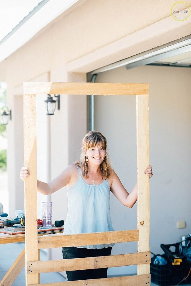 How To Build A Screen Door From A Pallet In 2020 Diy