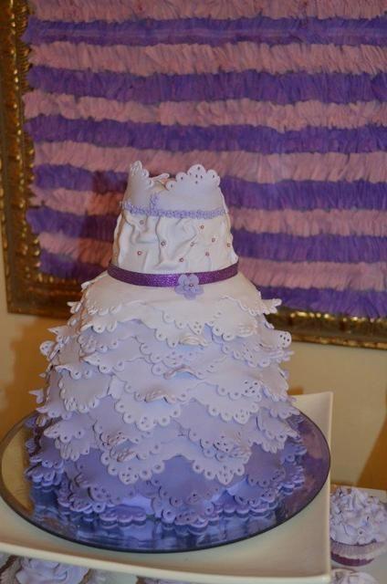 How cool is this purple dress cake! #purple #cake #dress