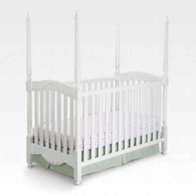 Delta Sophia 4 Poster Crib - White  Item# DE275