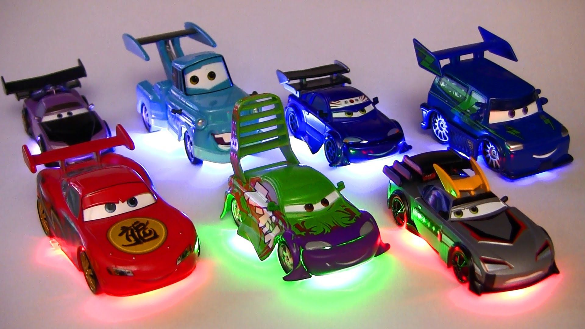 Light Up Deluxe Die Cast Set Tuners Dj Wingo Lightning Mcqueen