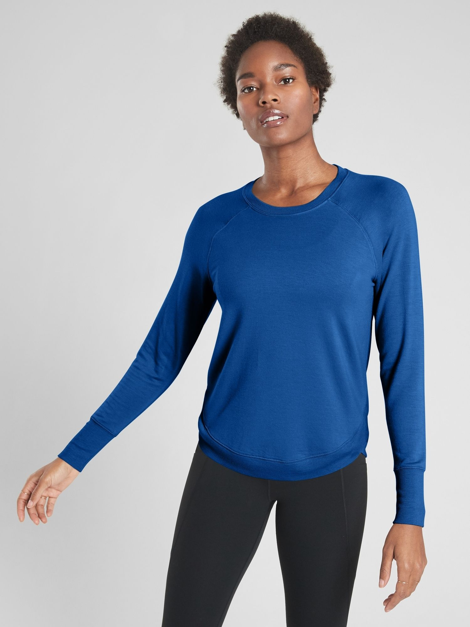 NEW Athleta Women Mindset Sweatshirt Tulip Side Hem Sky Blue Workout Top