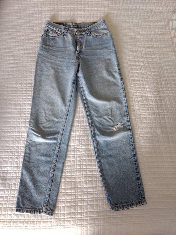 Excellent Vintage women's LEVIs, Levi 512 slim fit, Levi tapered leg, Levi  AC35