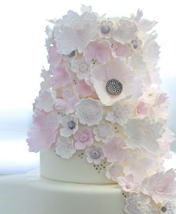 Wedding Flowers By Annette: Assorted Pale Flowers Wedding Cake