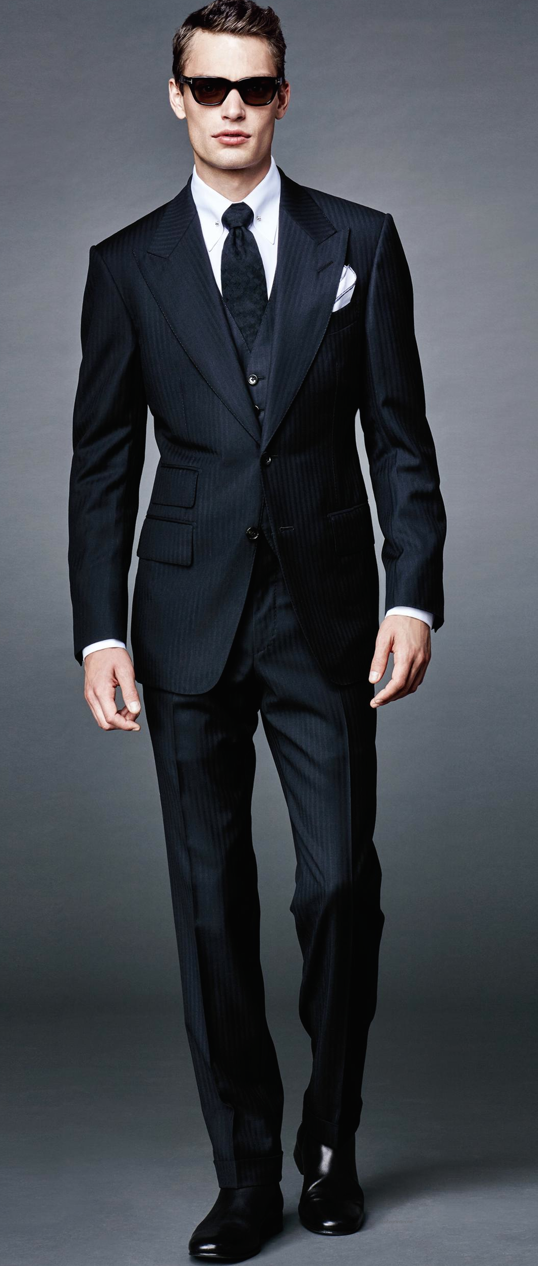a6f27bba8e Gage wore this to the Critic's Choice Awards - ONE PERFECT MOMENT Tom Ford  bond collection 16