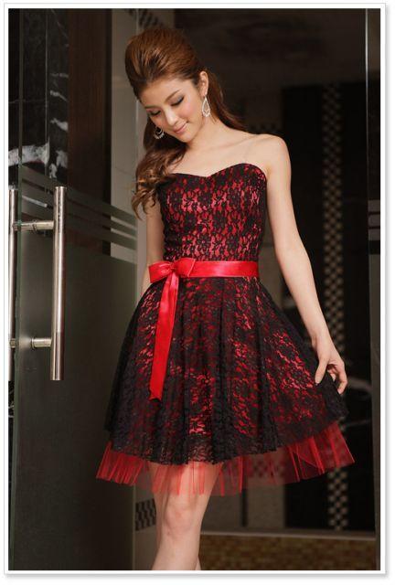 Robe de cocktail noir et rouge