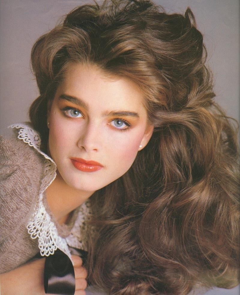 Brooke Shields Thick Straight Eyebrows Beauty Brooke Shields Hair Styles