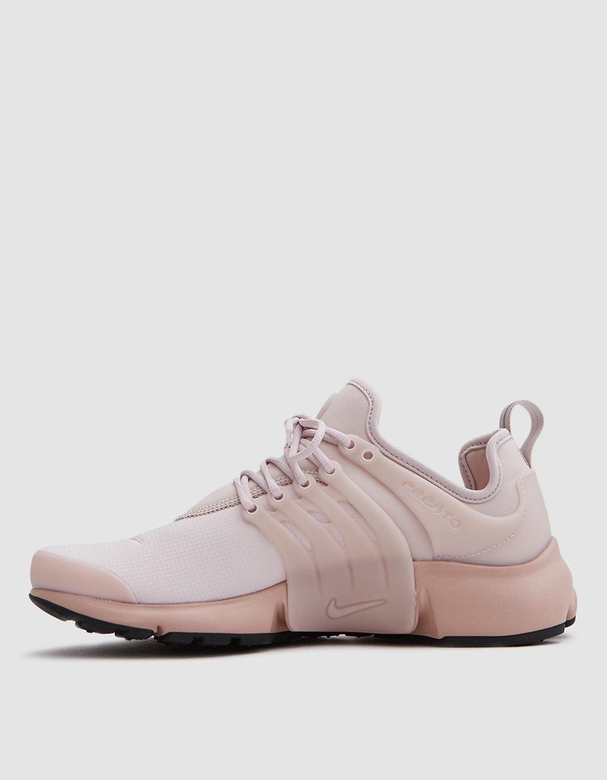 quality design 68959 5e932 Air Presto SE from Nike in Silt Red. Mesh upper. Sock-like construction.  Lace-up front with round woven laces. Heel pull tab. Molded midfoot cage.