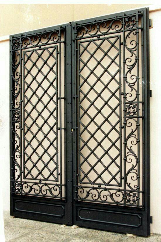 Black Metal Double Door Gate With Images Iron Doors Wrought