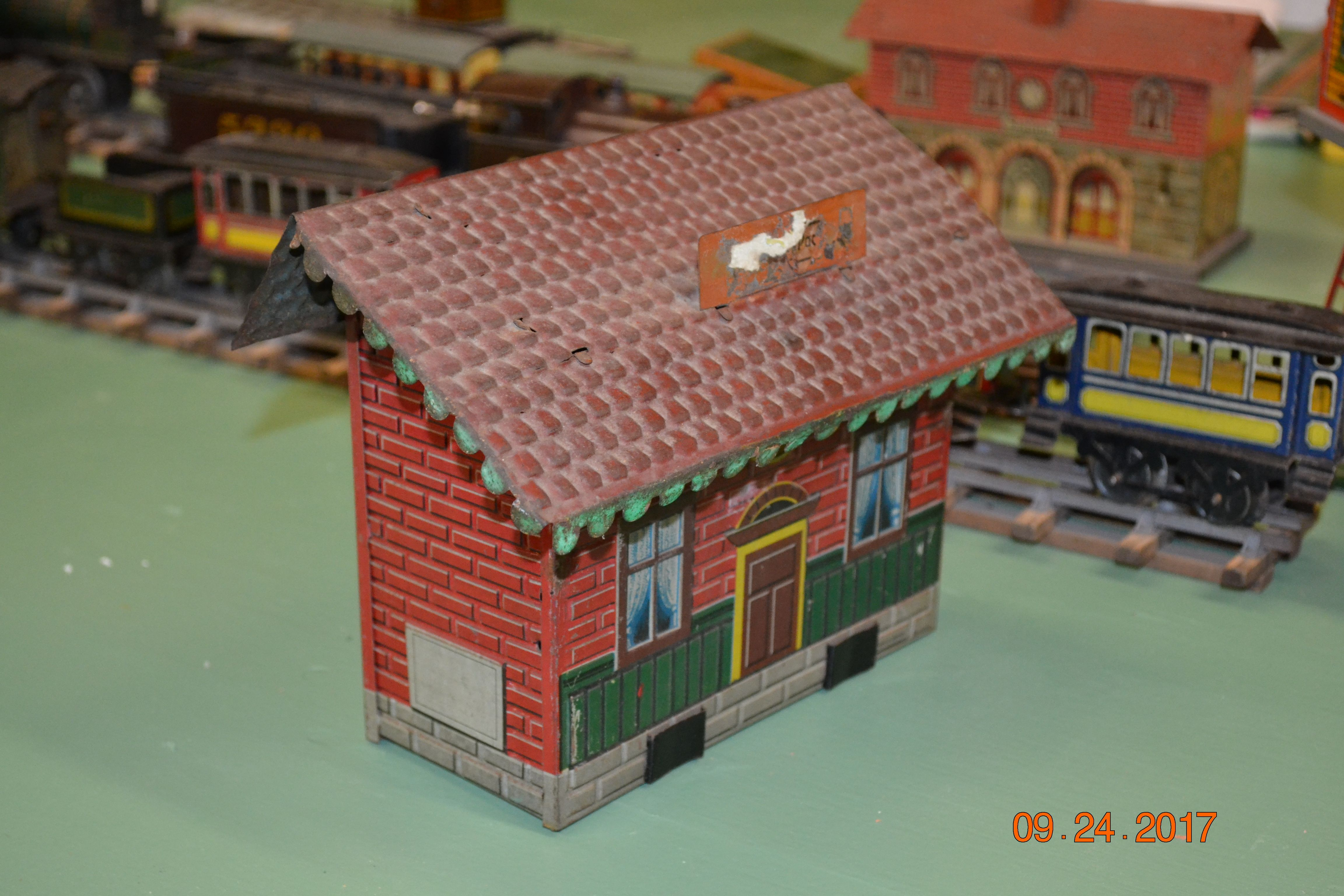 Model Railroad Building Tinplate Issmayer Building | Awesome