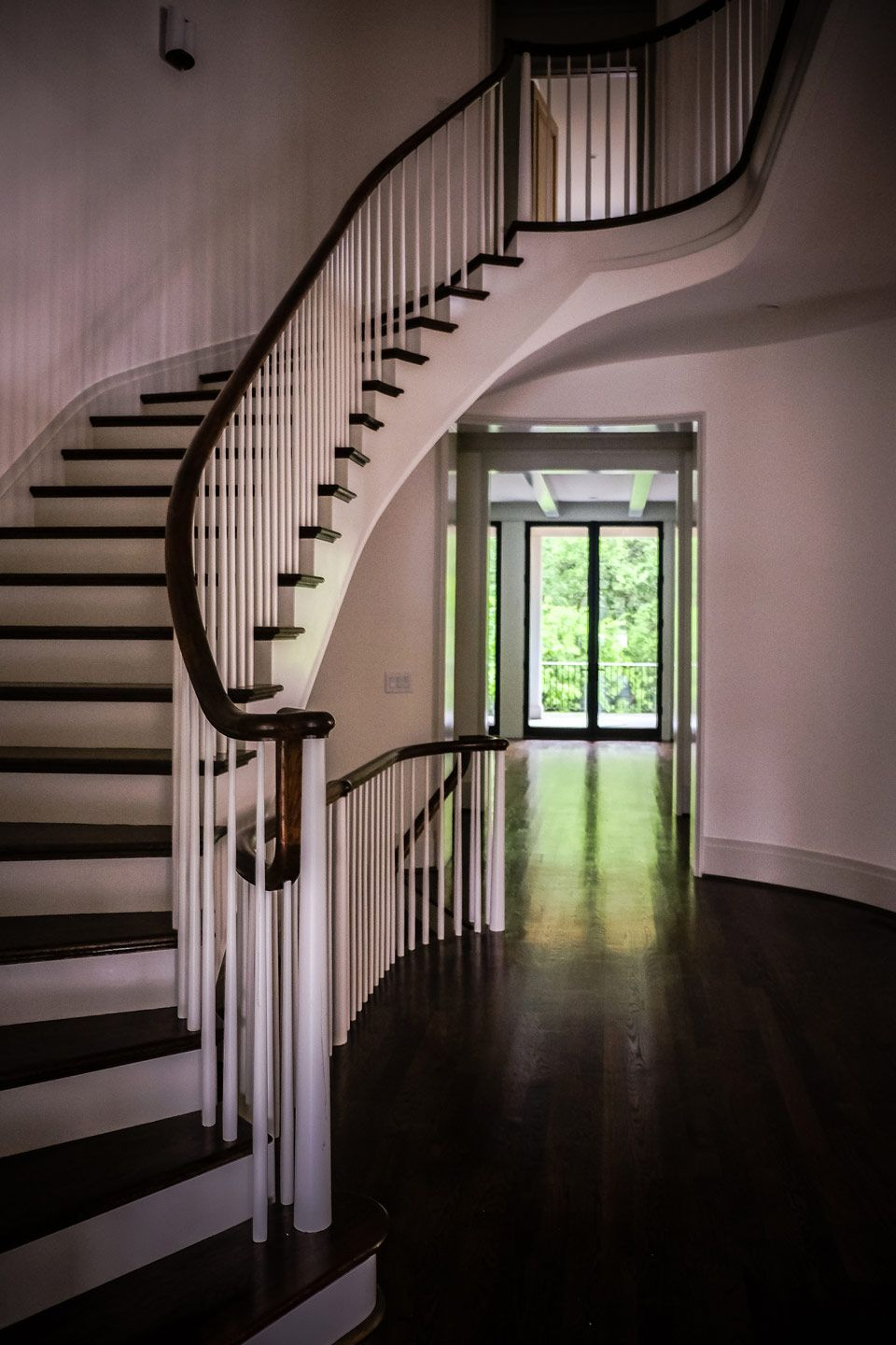 Best Elegant Curved Stair With Wood Baluster System In Atlanta 640 x 480