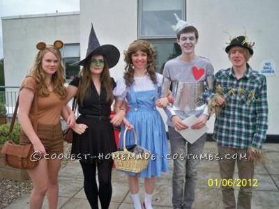 Coolest Wizard of Oz Group Costume... This website is the Pinterest of costumes