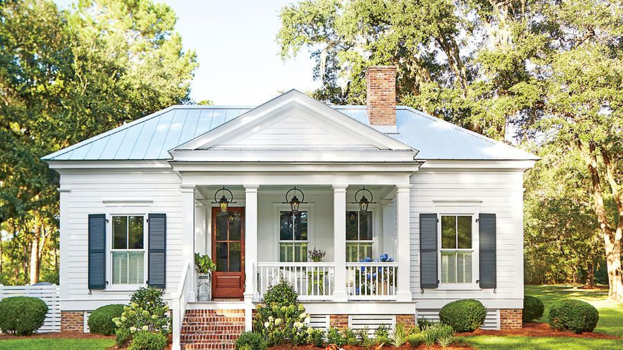 Our New Favorite 800 Square Foot Cottage That You Can Have Too With Images Cottage Exterior Small Cottage Homes Florida Cottage