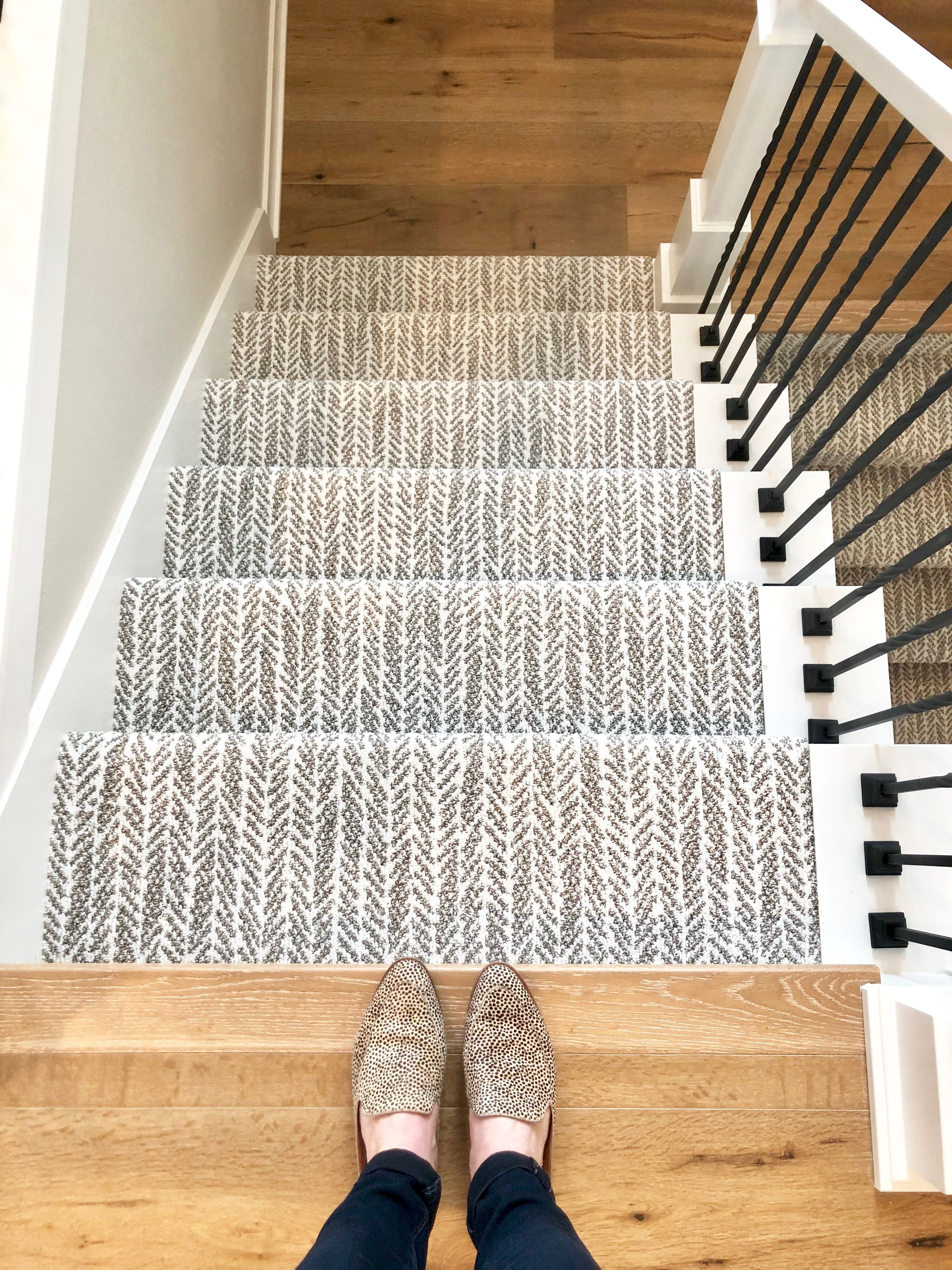 Shaw Lead The Way Super Fine Carpet E Lynndesign And Happehomes Patterned Stair Carpet Carpet Stairs Patterned Carpet