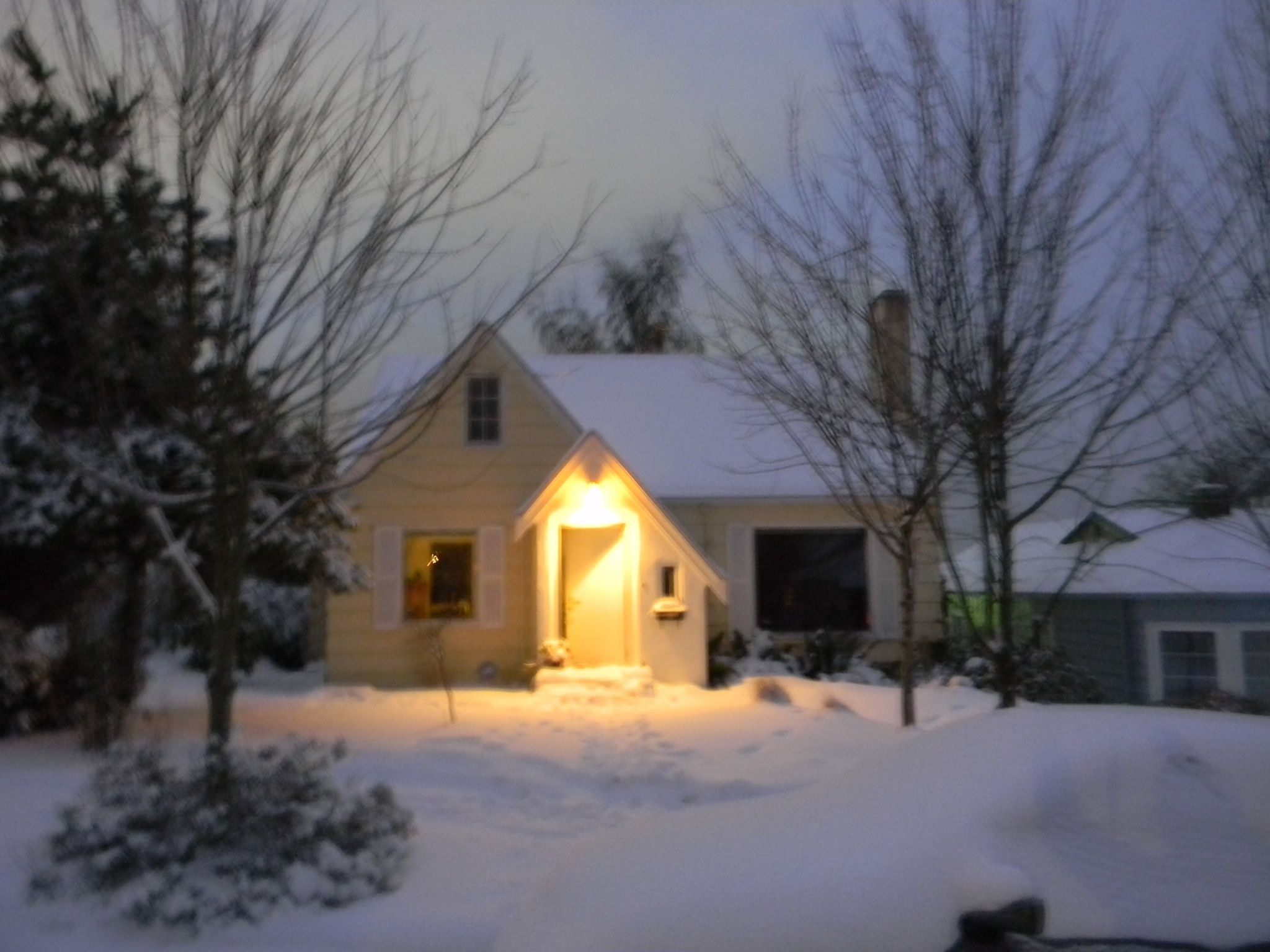 Winter wonderland 2011 bremerton WA our first home and snow fall