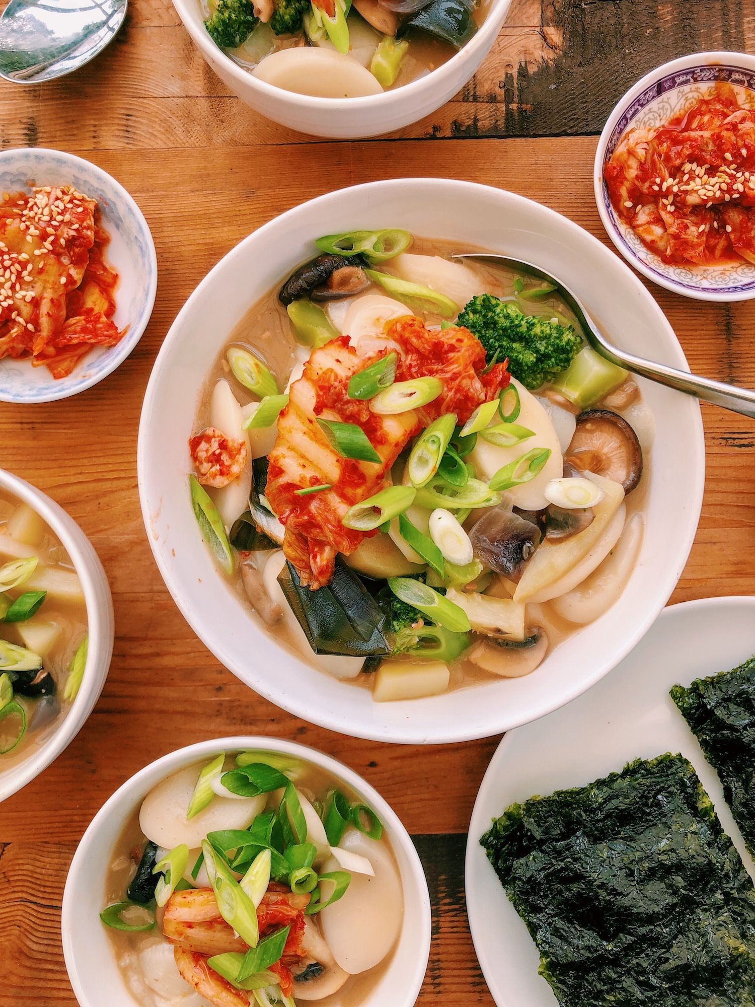 Korean rice cake soup tteokguk 떡국 in 2020 with images