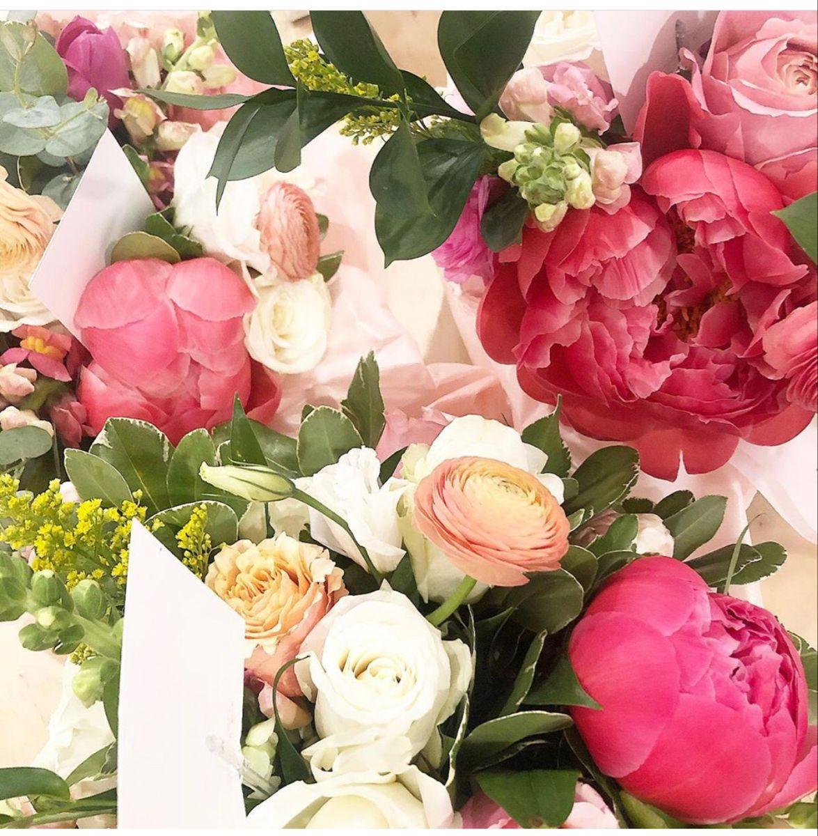 Wedding Flowers In 2020 Wedding Bouquets Online Wedding Flowers Wholesale Flowers Wedding
