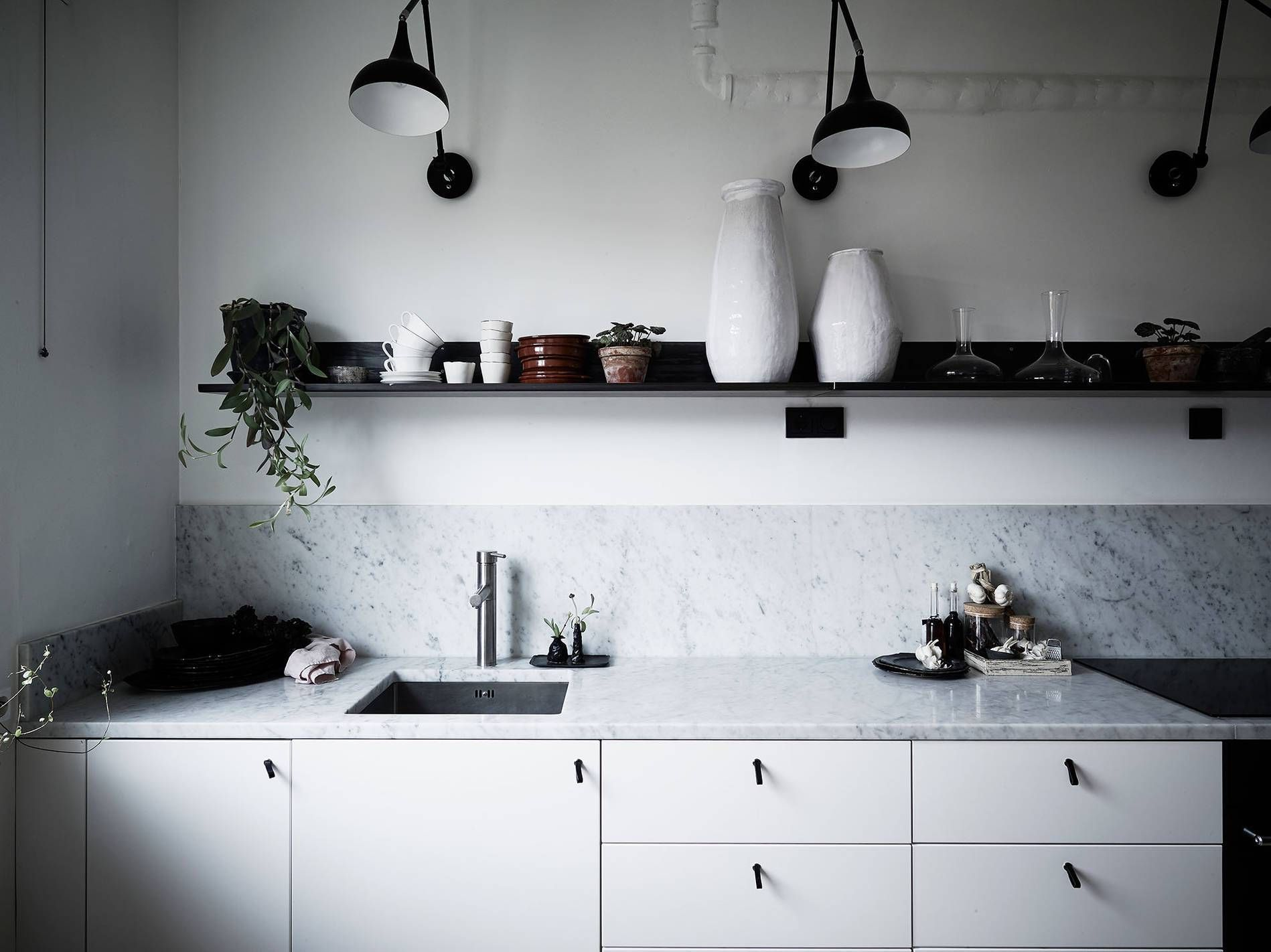 White, minimalist kitchen with marble counters. Kitchen inspiration ...