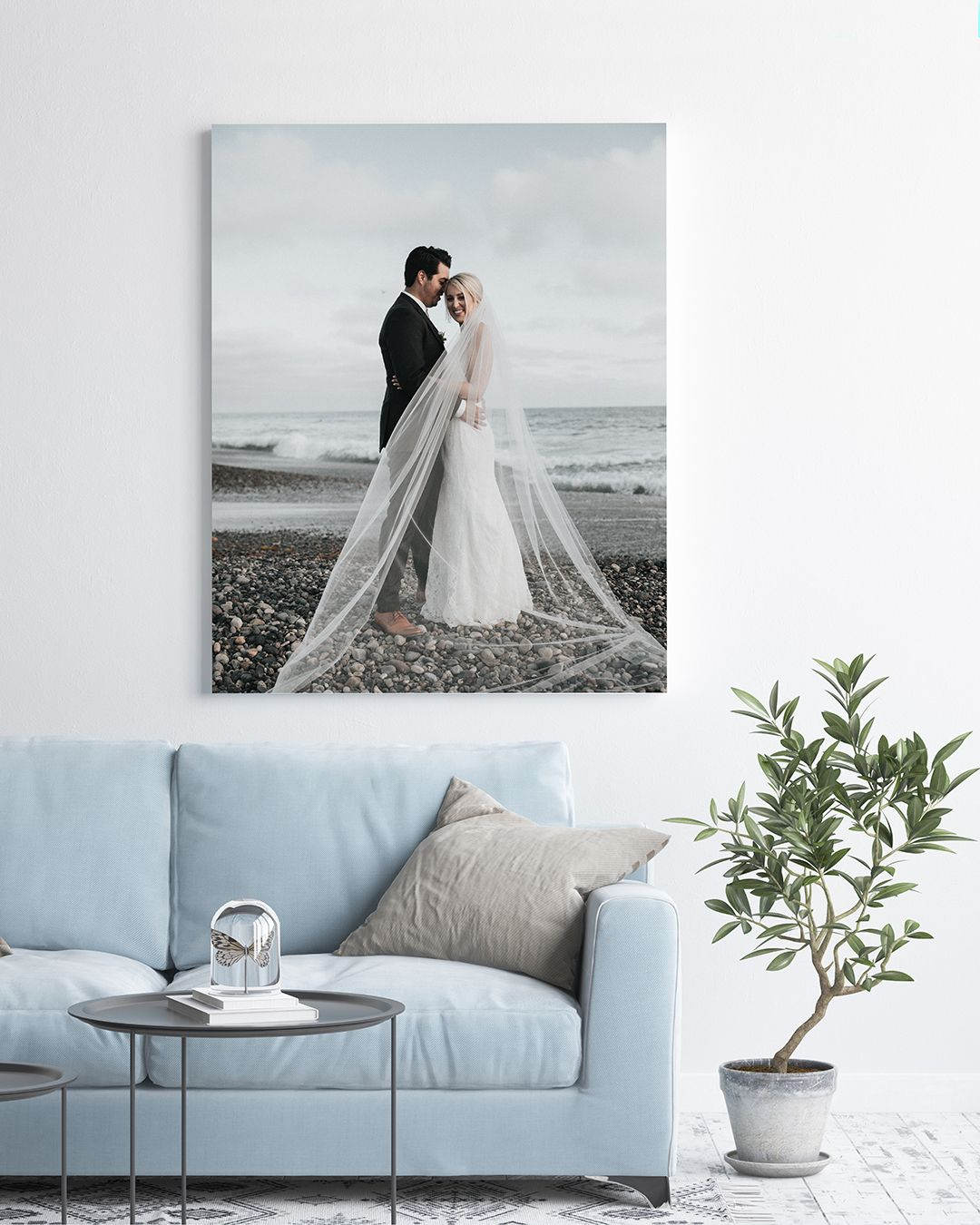 A Canvas Print With A Beautiful Moment From Your Wedding Day Makes For The Most Precious Keepsake Ever Wedding Canvas Wedding Photo Canvas Print Wedding Photos