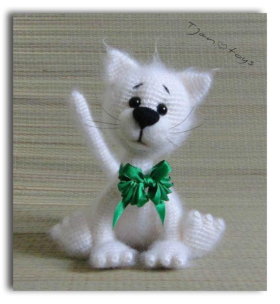 Blanco gato OOAK rellenos animales de ganchillo hecho a por Tjan ...