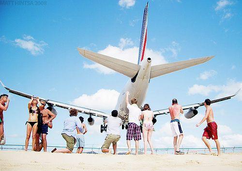 Maho Beach in St Maarten - Laughterizer