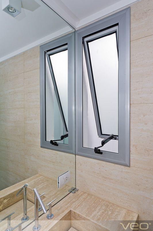 Ventana para ba o abierta venta a ba o interior en for Tipos de ventanas de aluminio para banos