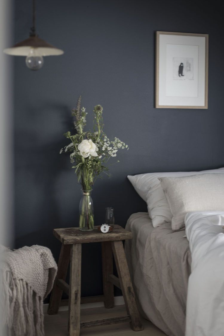 My Scandinavian Home Wild Flowers Linen Bedding And Dark Blue
