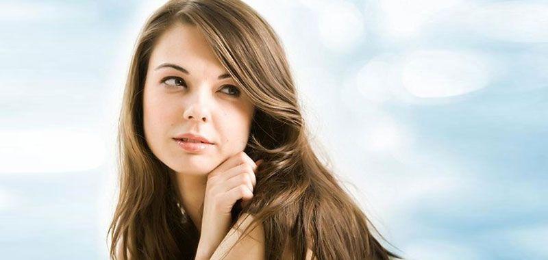 انتشرت عشبة المورينجا في عالم التجميل والعناية بالبشرة والشعر في الآونة الاخيرة وذلك بفضل فوائدها و احتوائها على نسبة عال Hair Styles Long Hair Styles Beauty