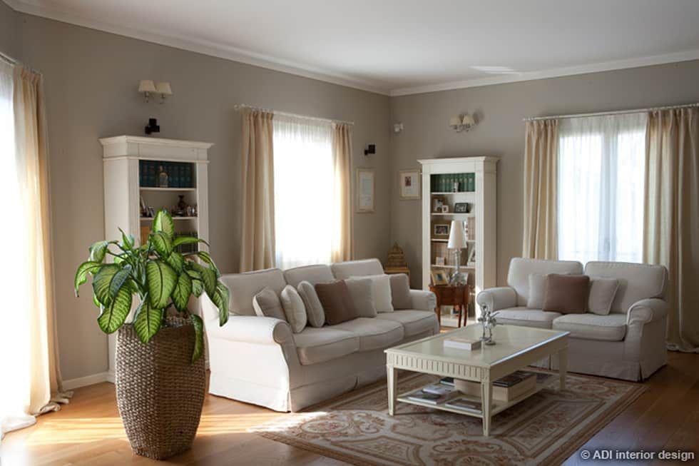 Casa raffinata soggiorno in stile di adi arredamenti nel for Casa e stile arredamenti