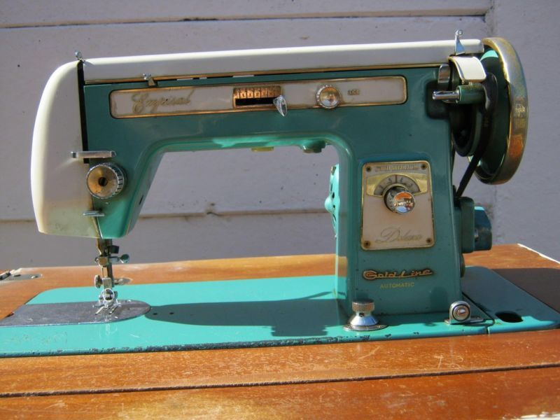 Turquoise Empisal Gold Line | Sewing machine pr0n | Pinterest