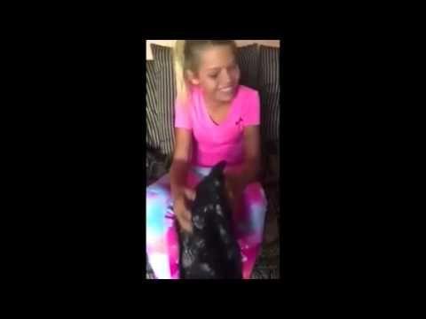 Mira la reacción de esta niña transgénero cuando se entera