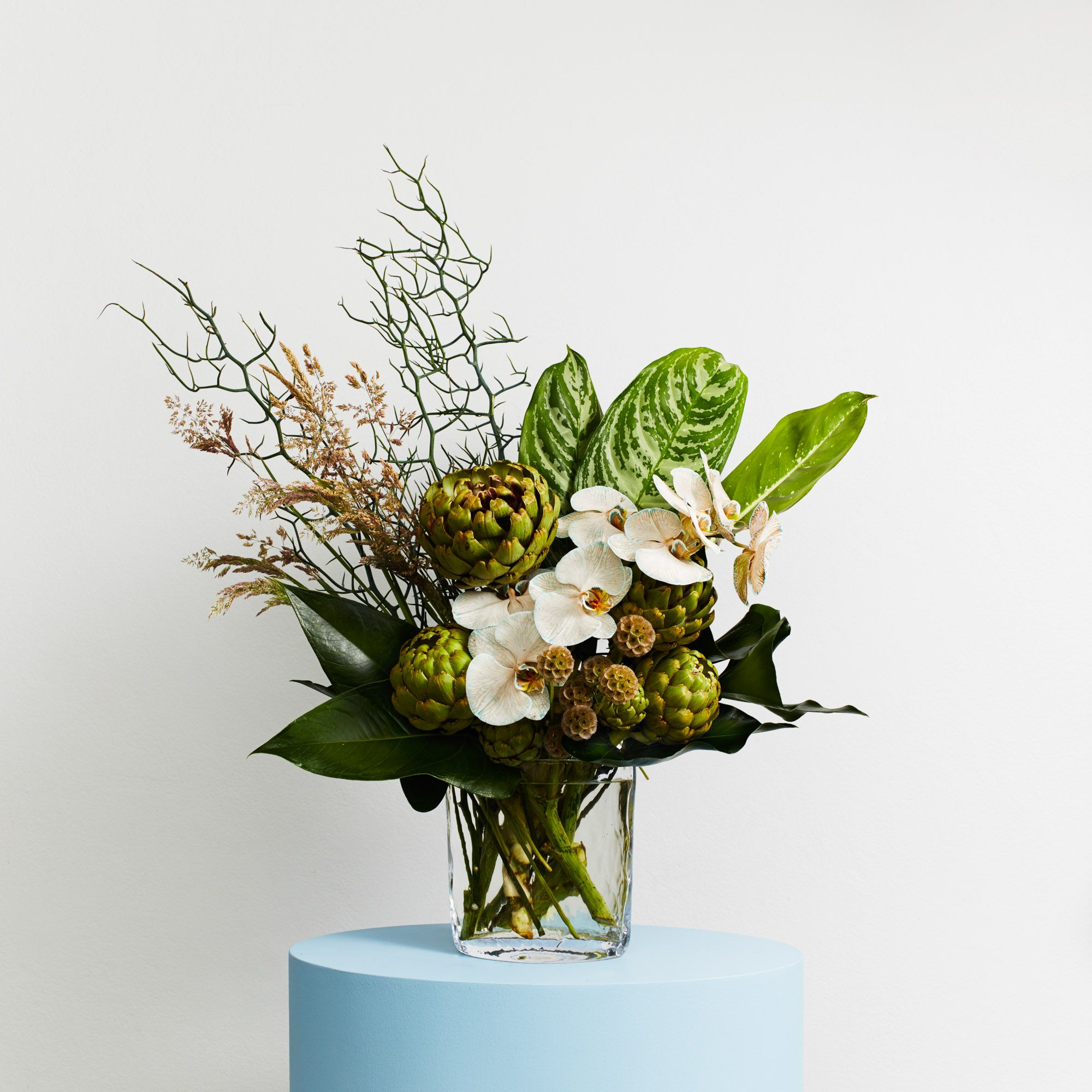 Sculptural (With images) Modern flower arrangements