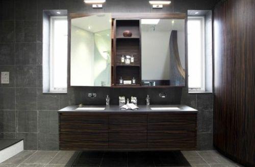 33 dunkle Badezimmer Design Ideen - bad einrichtung große spiegel - badezimmer mit grauen fliesen