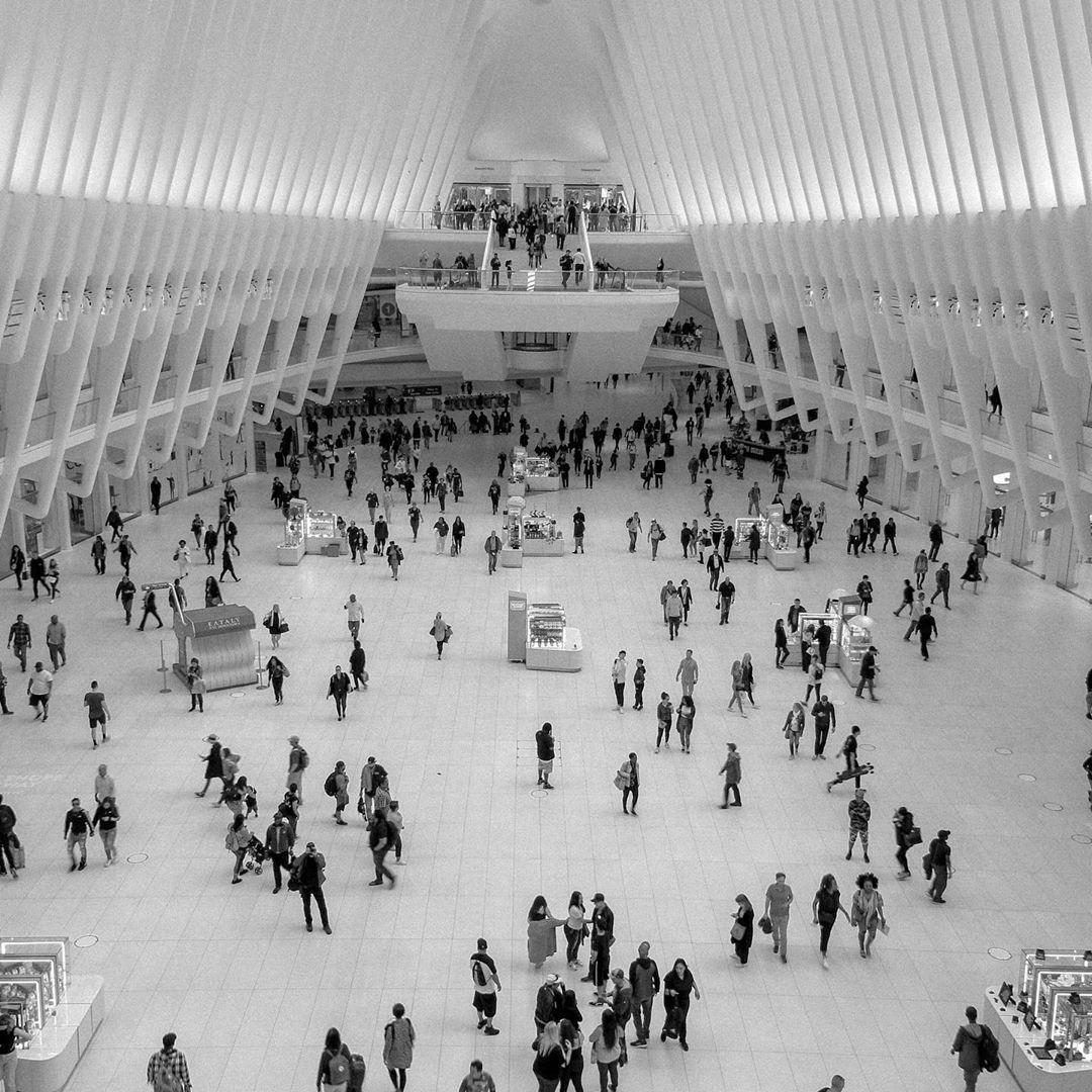 """Damaris on Instagram: """"B&W. #modernarchitecture #nyc #transients"""""""