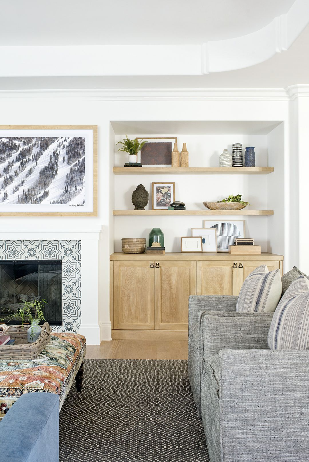 Design Direction: Décor Trends to Look Out for in 2018 in 2020    Transitional living rooms, Interior, Home
