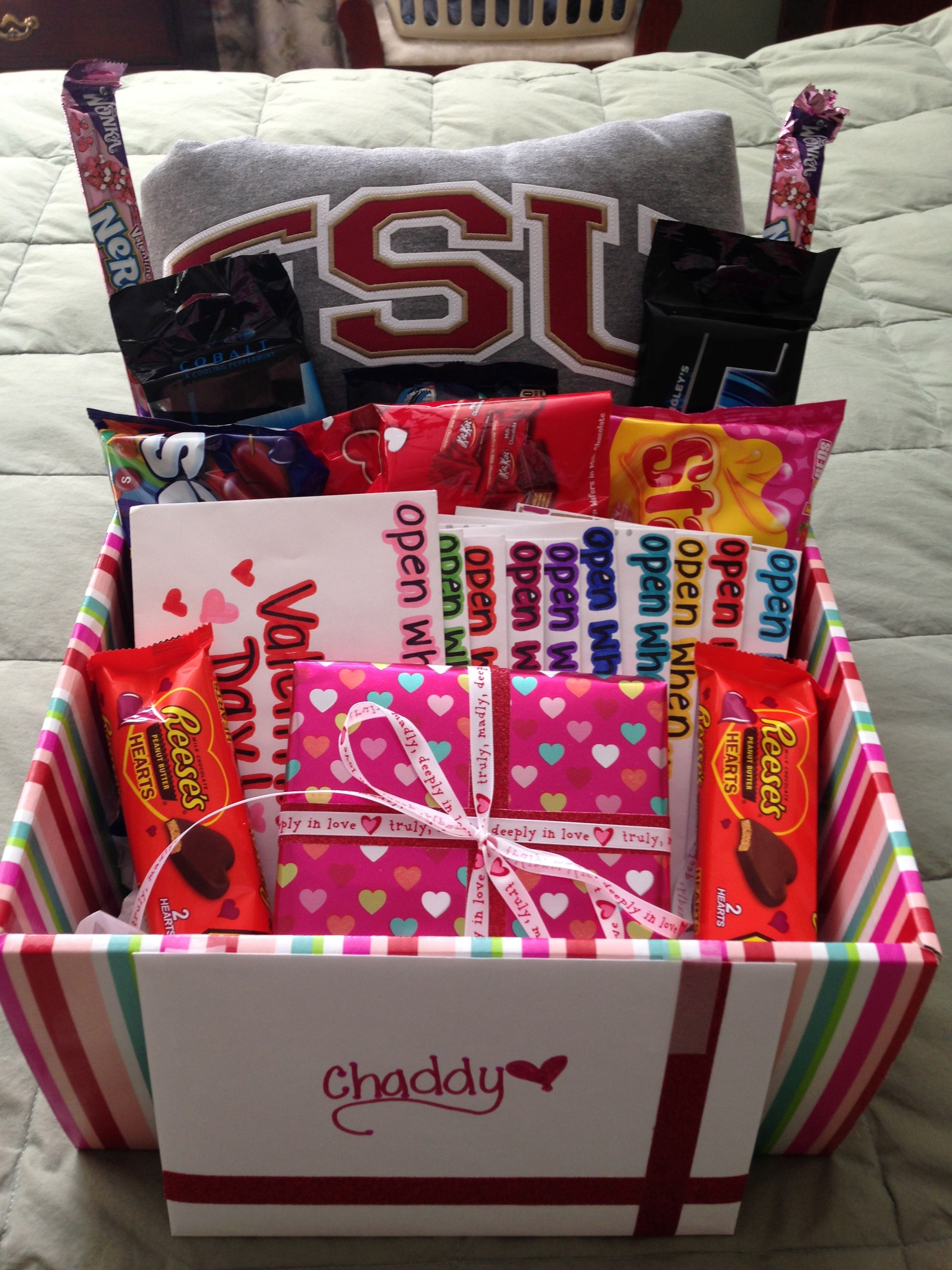 Valentine's Day gift basket for boyfriend | Baskets, Bouquets ...