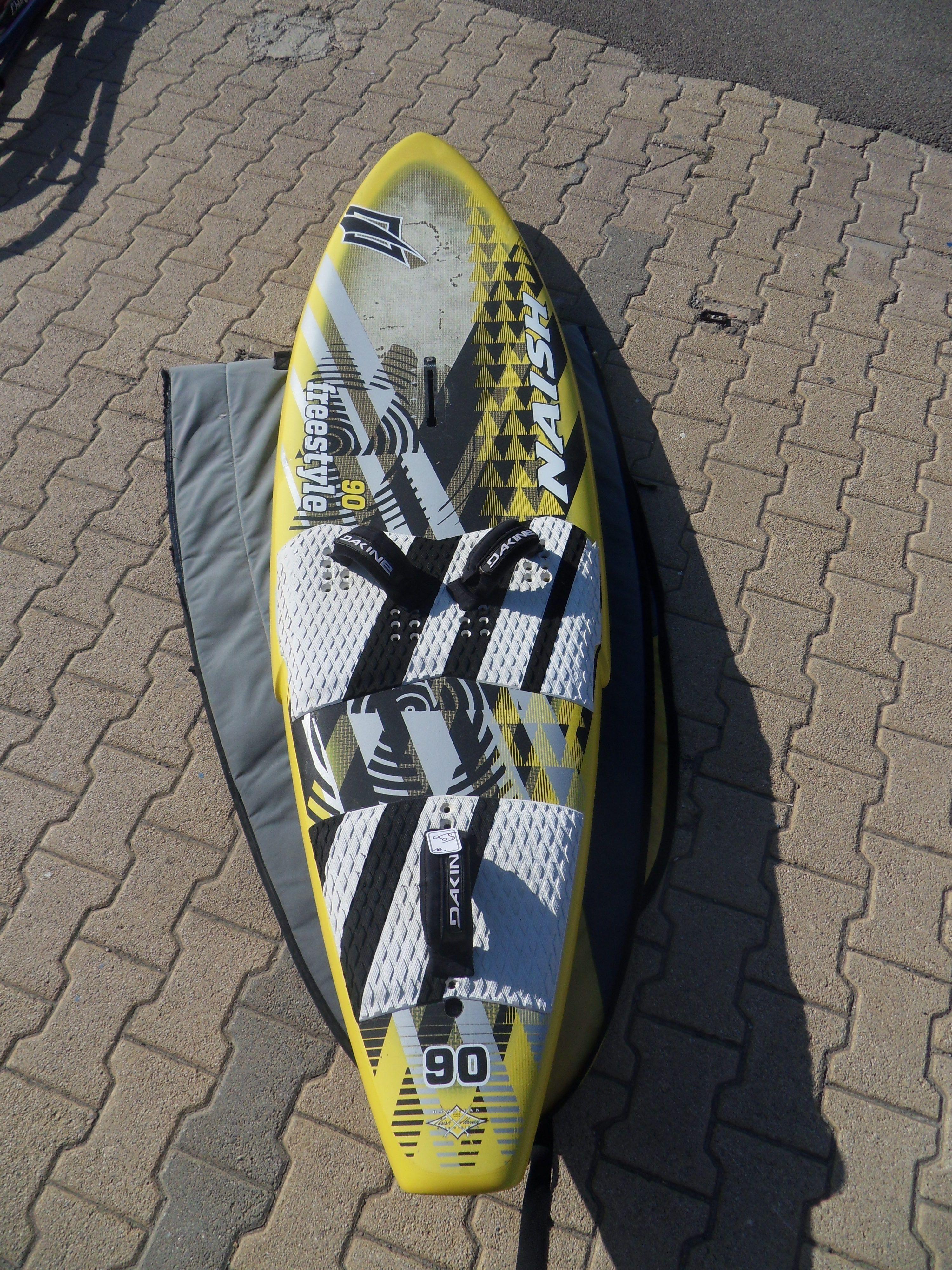 Naish Freestyle 90 Carbon 2013 Bon Etat 227x60 5 90litres 390e ¦ィンドサーフィン µーフィン