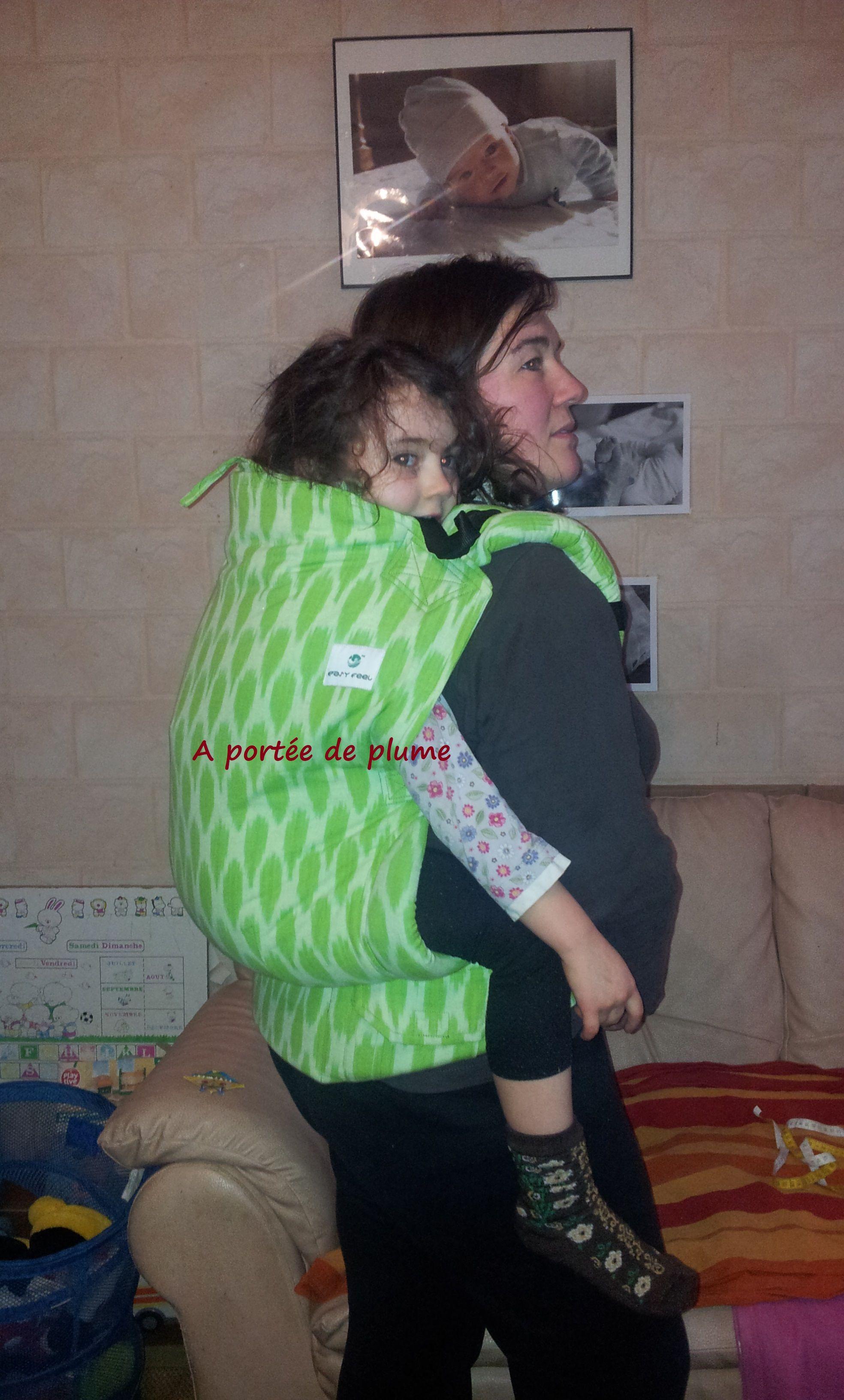 Porte-bébé préformé physiologique taille preschool Easy Feel, plus grand  que les plus grands c61eb439218